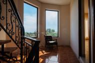 Абхазия, Новый Афон, Вилла Леоны, общий коридор, вид с 2 этажа